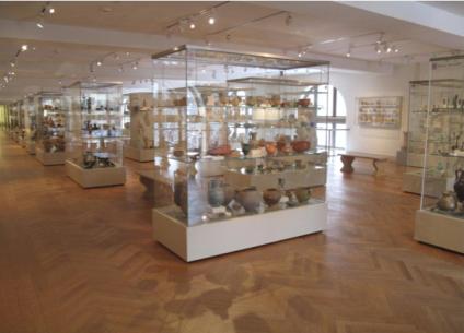 美国大都会博物馆展柜移动式联柜