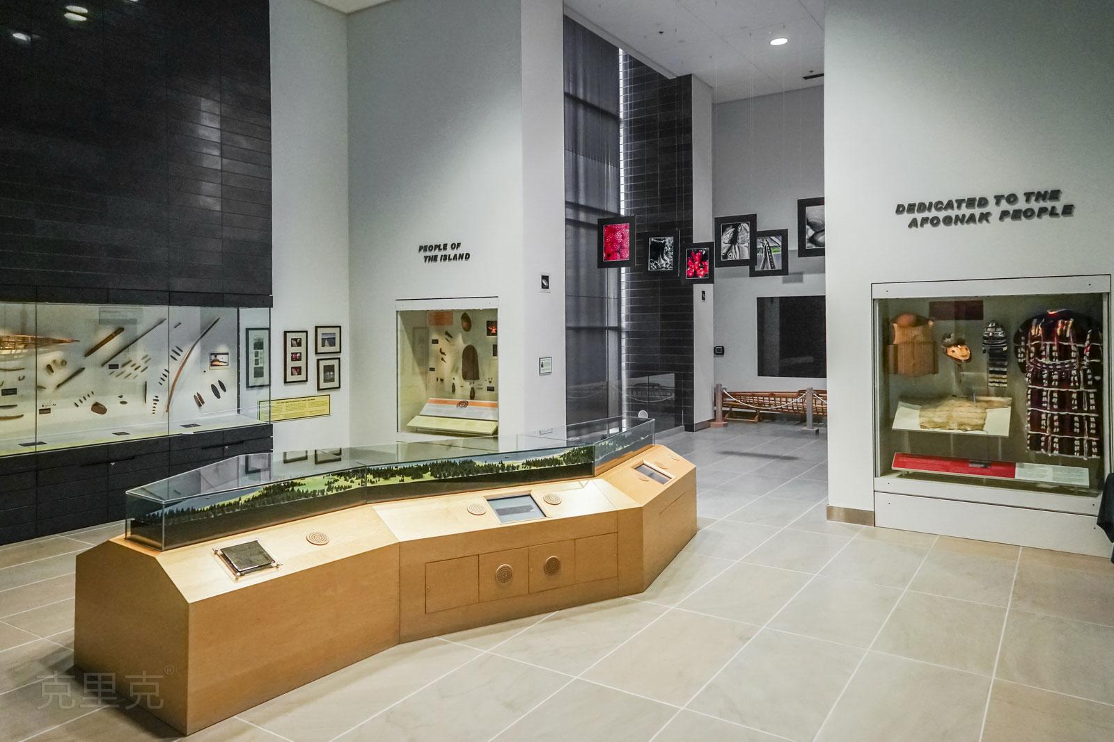 美国安克雷奇阿鲁提克展示中心桌面文物展示柜